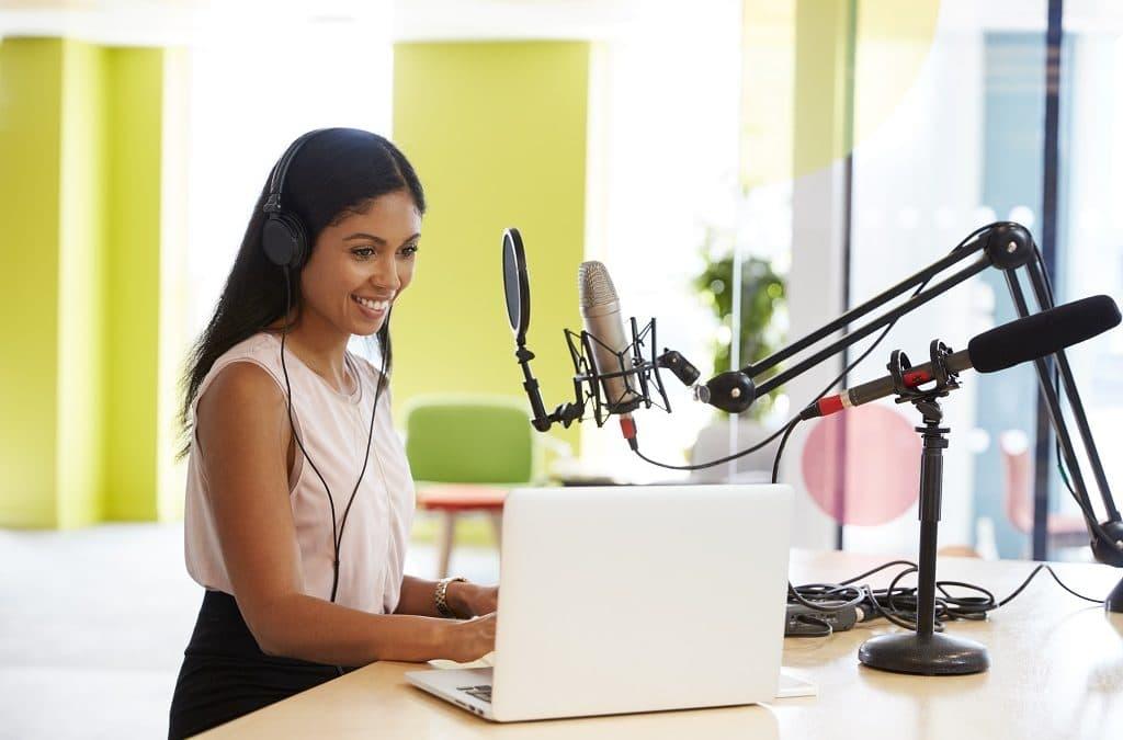La mejor APP para escuchar podcast este 2020 que te ayudan a emprender
